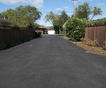 Asphalt-Complex-Driveway-4