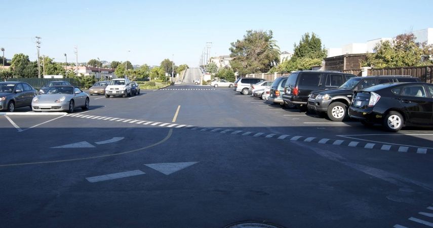 Asphalt Parking Lot – Commercial